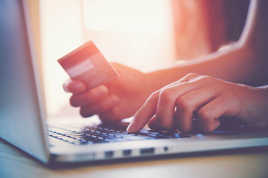 Freelancers: Should You Use a Business Credit Card? | FreshBooks Blog