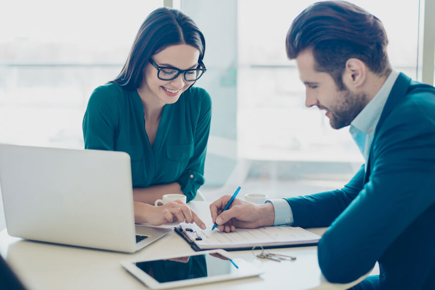 9 Ways to Create a Client Contract That's Simple and Effective