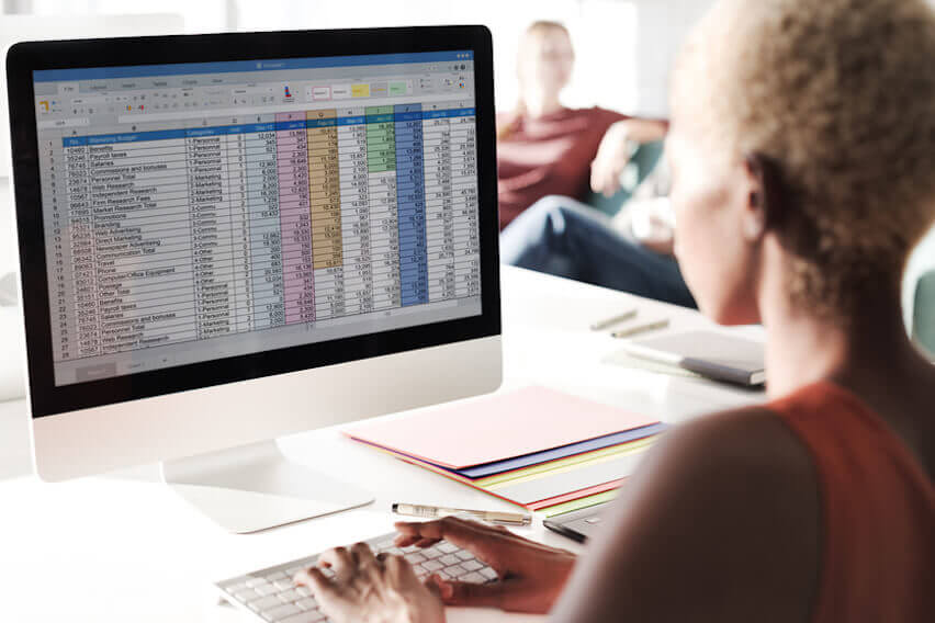 Still Invoicing and Accounting with Word and Excel? 5 Reasons to