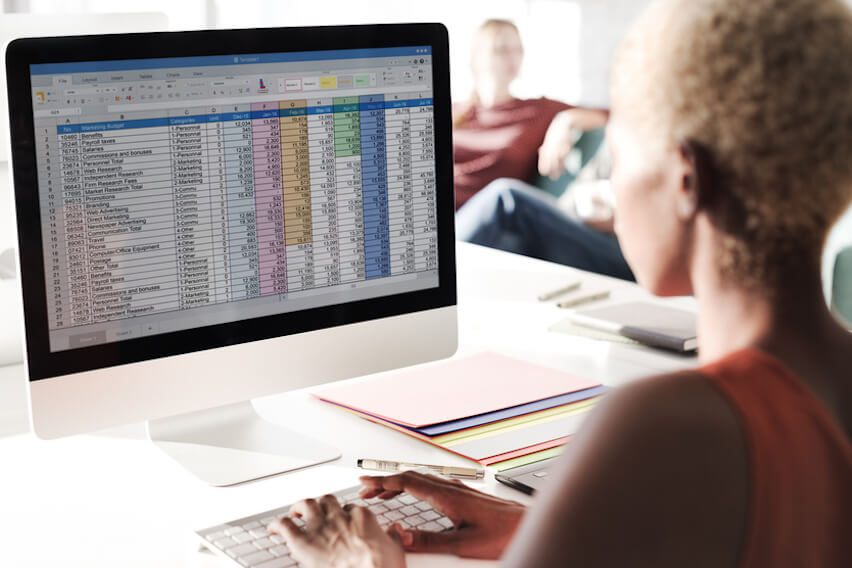 Still Invoicing and Accounting with Word and Excel? 5 Reasons to Stop