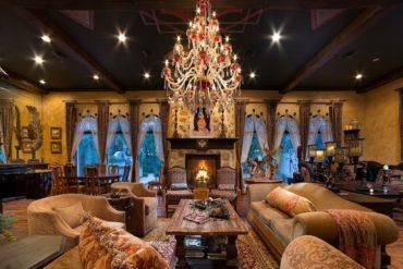 FreshBooks Powers the Liberace Museum Inside Michael Jackson's Home