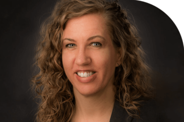 Meet Lisa, a Writer Who Immediately Mastered Organization After Switching From Spreadsheets to Simple Cloud Accounting